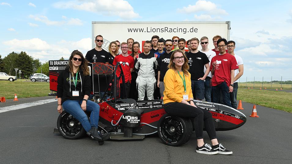 SSC Services Lions Racing Team Gruppenfoto